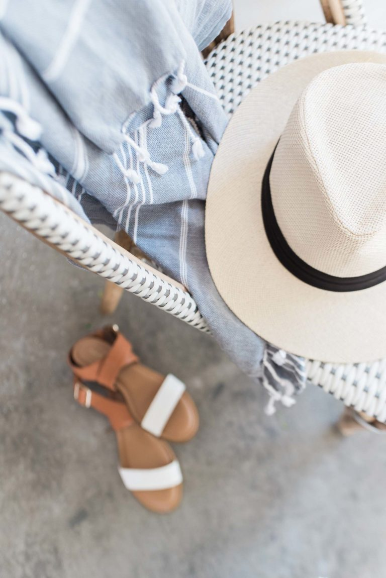 My tips for traveling with your favorite hats